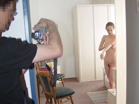 【外人】素人の激カワヌードモデルが街中至る所で裸になる野外露出ポルノ画像その2 134