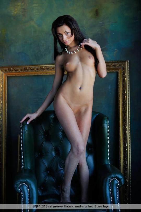 【外人】褐色肌にグリーンの瞳が美しいアメリカン美女ドミニカ(Dominika W)のフルヌードポルノ画像 139