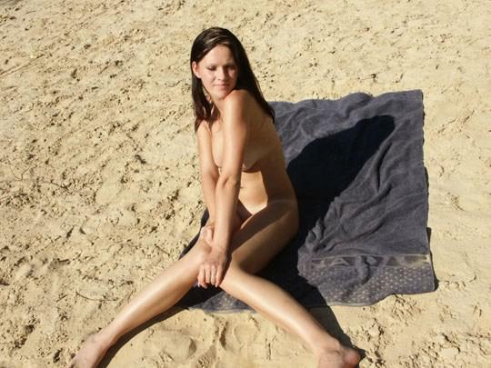 【外人】ピッチピチ18歳のドイツ人美少女が自撮り個人撮影でオールヌードポルノ画像 1518
