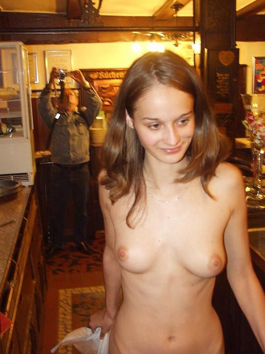 【外人】素人の激カワヌードモデルが街中至る所で裸になる野外露出ポルノ画像その1 172