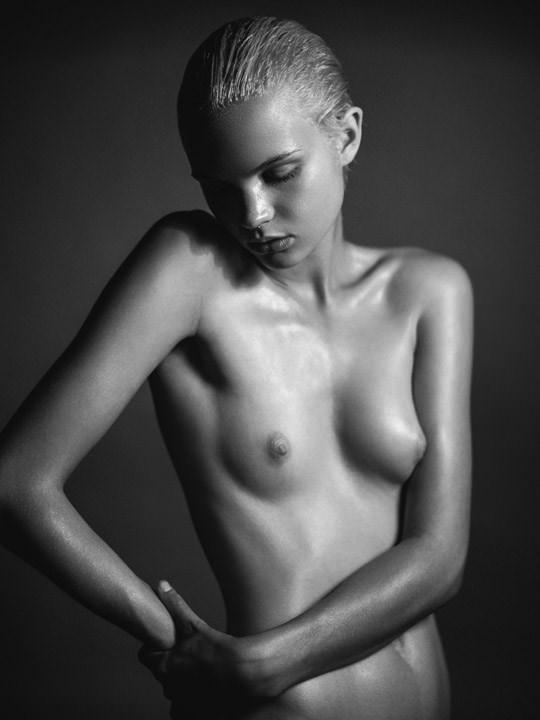 【外人】光加減が特徴的な米国人写真家キスラー・トラン(Kesler Tran)のアートポルノ画像 1833