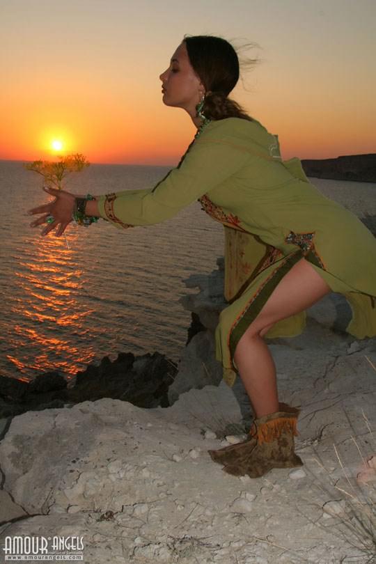 【外人】ウクライナ医大生リサ(Lisa)がアジアンコスプレした野外ヌードポルノ画像 188