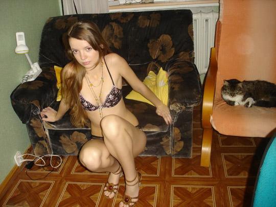 【外人】ヌードモデルを目指す激カワ素人娘が裸体撮影とフェラまでしてるポルノ画像 1910