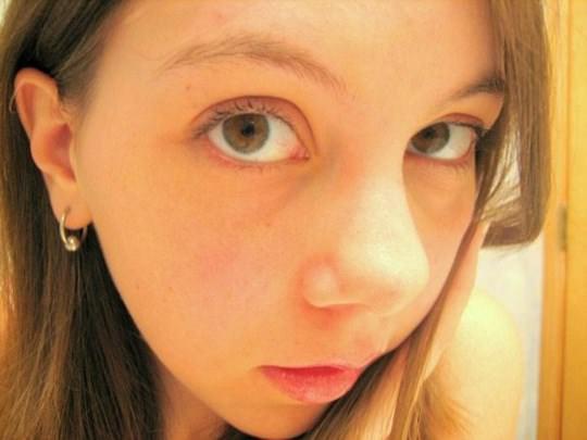 【外人】金に目が眩んだ海外素人娘が変態オヤジに撮影されてネットにうpされたポルノ画像 2105