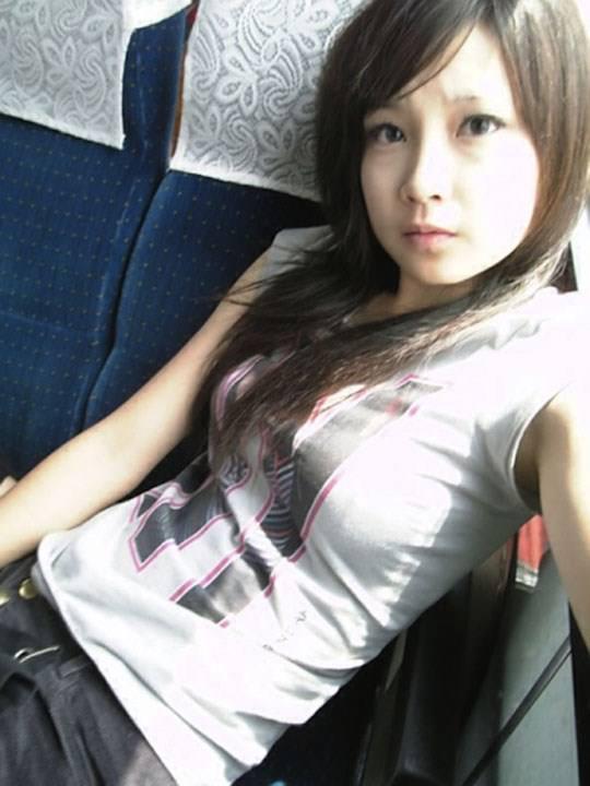 【外人】激カワ台湾素人娘のツォン・ダーミエ(Ceng Damie)の自撮りポルノ画像 2426