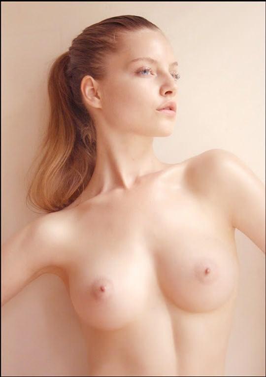 【外人】海外の美女たちがおかずになる為に脱いだヌードポルノ画像 2525
