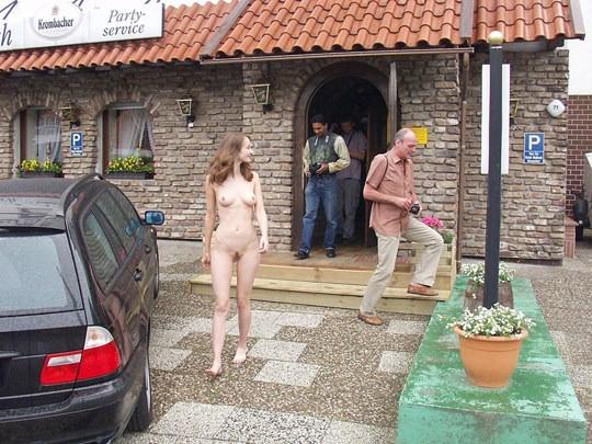 【外人】素人の激カワヌードモデルが街中至る所で裸になる野外露出ポルノ画像その2 253