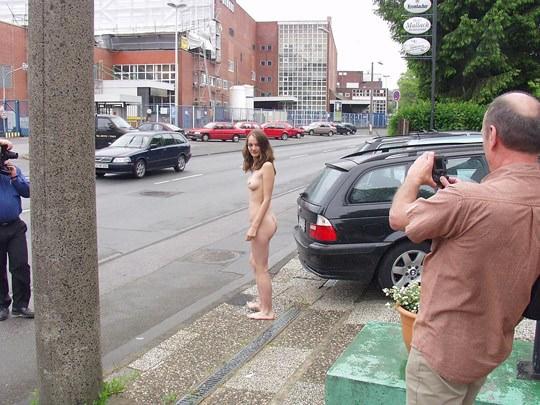 【外人】素人の激カワヌードモデルが街中至る所で裸になる野外露出ポルノ画像その2 263