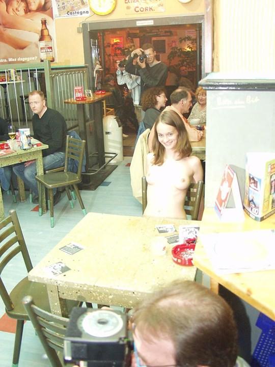 【外人】素人の激カワヌードモデルが街中至る所で裸になる野外露出ポルノ画像その1 272