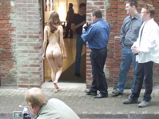 【外人】素人の激カワヌードモデルが街中至る所で裸になる野外露出ポルノ画像その2 302