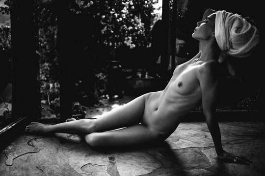 【外人】光加減が特徴的な米国人写真家キスラー・トラン(Kesler Tran)のアートポルノ画像 3133