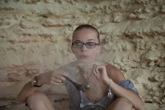 【外人】ウクライナのドスケベ美人姉妹ミレーナ(Milena D)とニカ(Nika N)が洞窟でレズエッチするポルノ画像 327