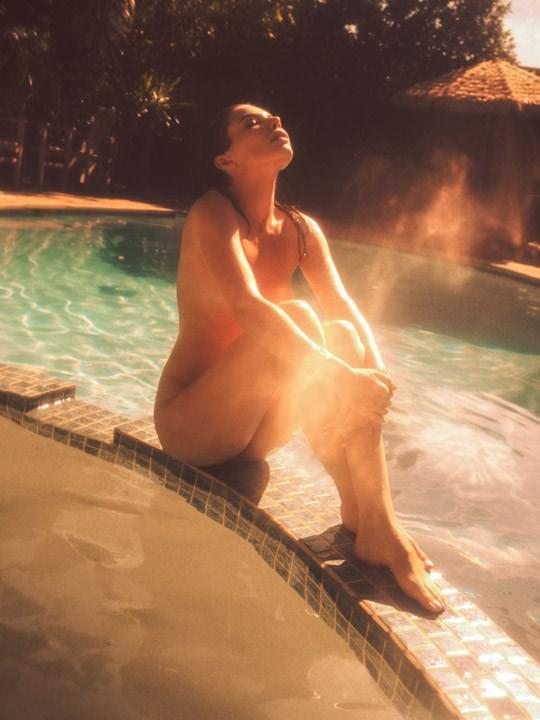 【外人】光加減が特徴的な米国人写真家キスラー・トラン(Kesler Tran)のアートポルノ画像 3517