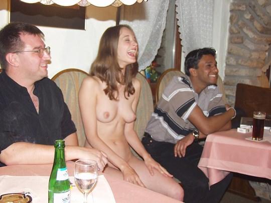 【外人】素人の激カワヌードモデルが街中至る所で裸になる野外露出ポルノ画像その4 410