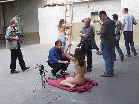 【外人】素人の激カワヌードモデルが街中至る所で裸になる野外露出ポルノ画像その3 441