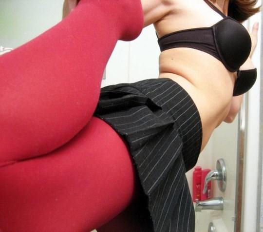 【外人】金に目が眩んだ海外素人娘が変態オヤジに撮影されてネットにうpされたポルノ画像 443