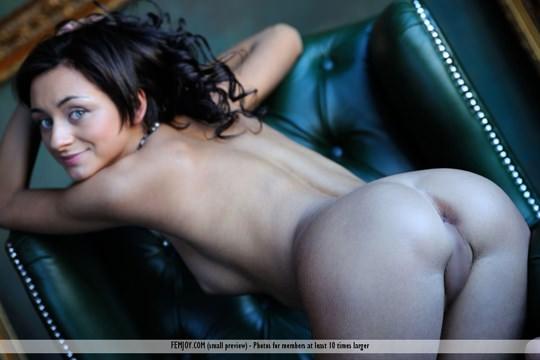 【外人】褐色肌にグリーンの瞳が美しいアメリカン美女ドミニカ(Dominika W)のフルヌードポルノ画像 515