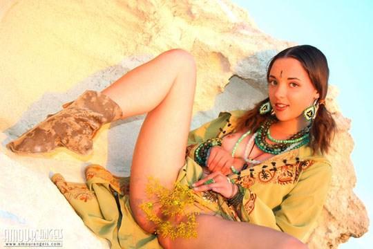 【外人】ウクライナ医大生リサ(Lisa)がアジアンコスプレした野外ヌードポルノ画像 519