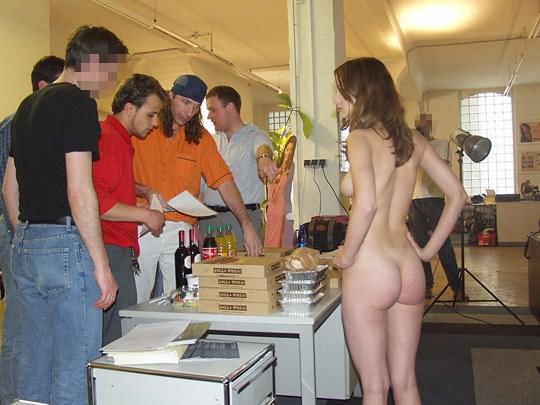 【外人】素人の激カワヌードモデルが街中至る所で裸になる野外露出ポルノ画像その3 531