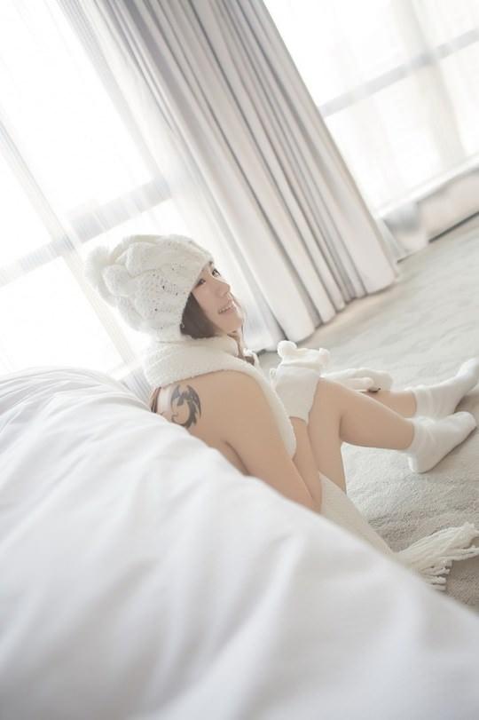【外人】素で可愛い中国の素人娘が個人撮影でセミヌード公開したポルノ画像 554