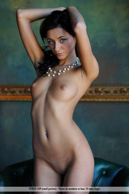 【外人】褐色肌にグリーンの瞳が美しいアメリカン美女ドミニカ(Dominika W)のフルヌードポルノ画像 616