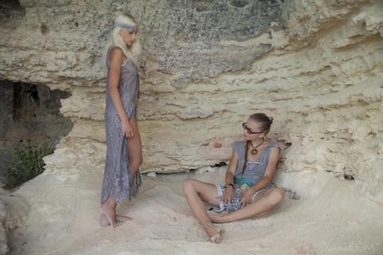 【外人】ウクライナのドスケベ美人姉妹ミレーナ(Milena D)とニカ(Nika N)が洞窟でレズエッチするポルノ画像 623