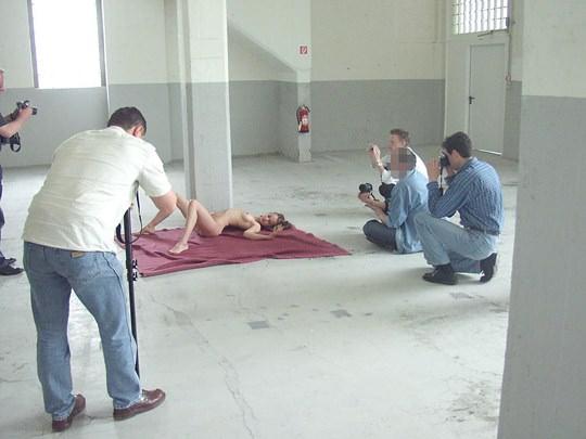 【外人】素人の激カワヌードモデルが街中至る所で裸になる野外露出ポルノ画像その3 67