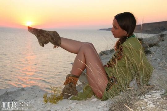 【外人】ウクライナ医大生リサ(Lisa)がアジアンコスプレした野外ヌードポルノ画像 713