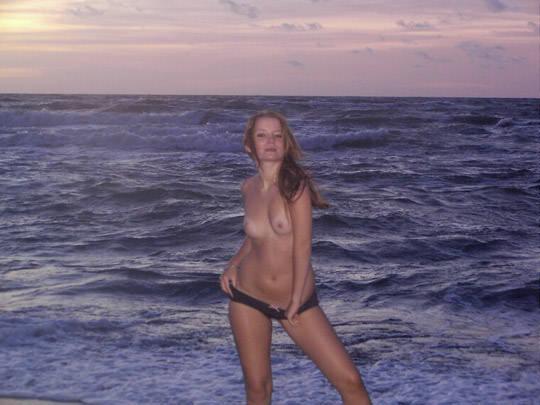 【外人】ヌードモデルを目指す激カワ素人娘が裸体撮影とフェラまでしてるポルノ画像 717