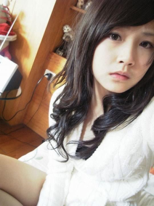 【外人】激カワ台湾素人娘のツォン・ダーミエ(Ceng Damie)の自撮りポルノ画像 741