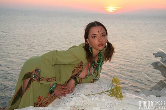 【外人】ウクライナ医大生リサ(Lisa)がアジアンコスプレした野外ヌードポルノ画像 813