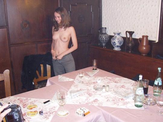 【外人】素人の激カワヌードモデルが街中至る所で裸になる野外露出ポルノ画像その1 83