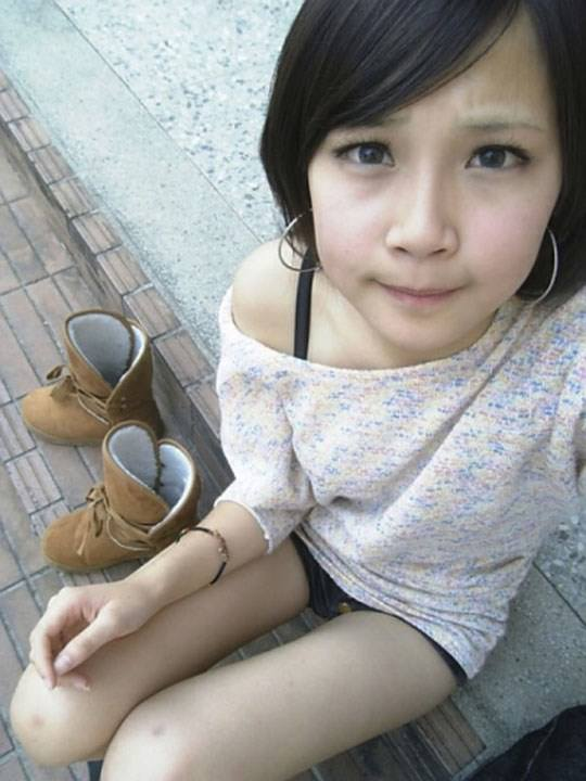 【外人】激カワ台湾素人娘のツォン・ダーミエ(Ceng Damie)の自撮りポルノ画像 841