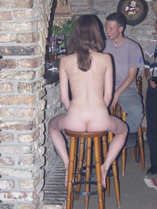 【外人】素人の激カワヌードモデルが街中至る所で裸になる野外露出ポルノ画像その4 85