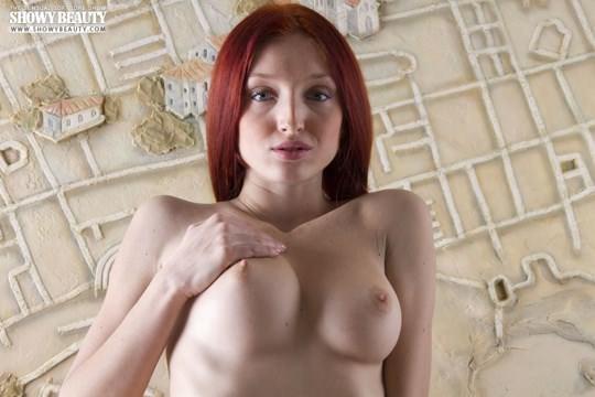 【外人】真っ白で美しすぎる肉体が赤毛に映えるレッド・フォックス(Red Fox)のフルヌードポルノ画像 931