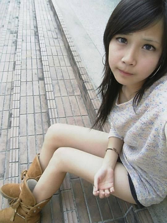 【外人】激カワ台湾素人娘のツォン・ダーミエ(Ceng Damie)の自撮りポルノ画像 940