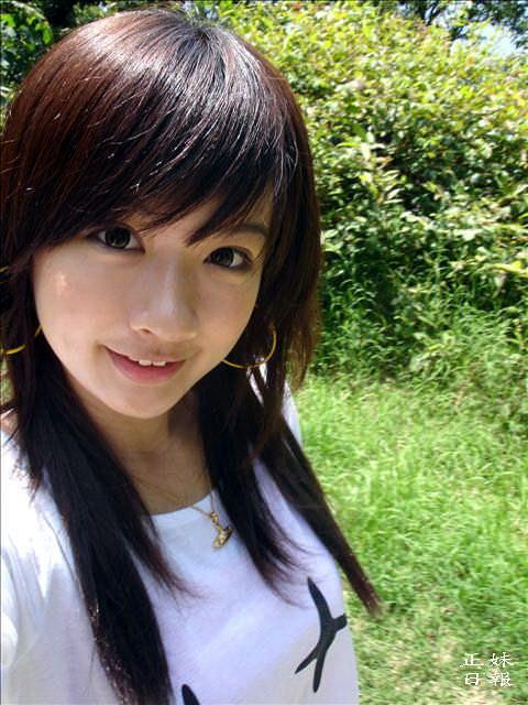 【外人】可愛すぎる台湾人美少女の顔面でだけで抜けるポルノ画像 102