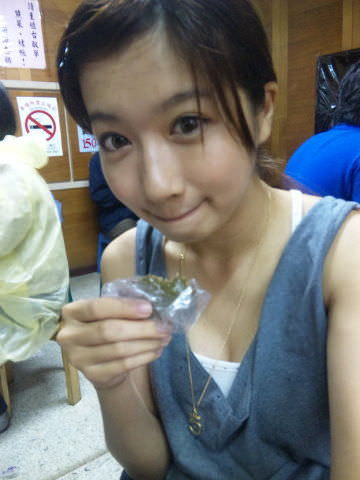 【外人】可愛すぎる台湾人美少女の顔面でだけで抜けるポルノ画像 122