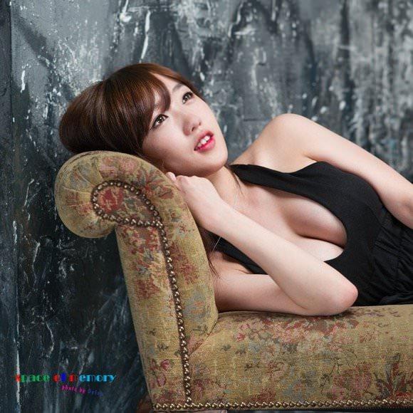 【外人】整形テンプレ顔だけど実際可愛い韓国人美女達のポルノ画像 181