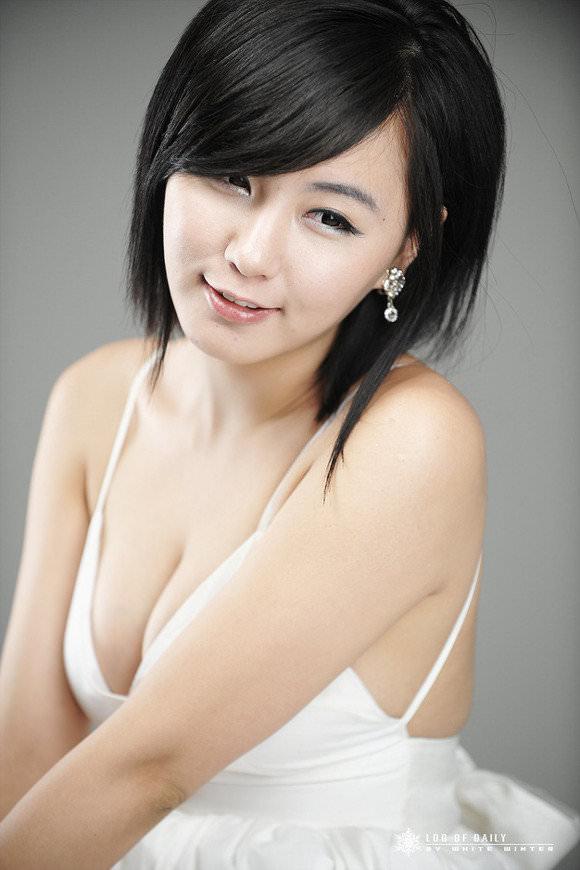 【外人】整形テンプレ顔だけど実際可愛い韓国人美女達のポルノ画像 71