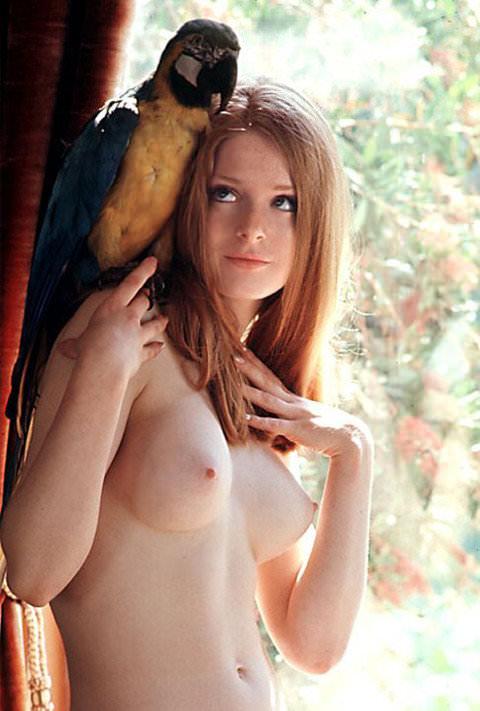 【外人】顔面はめちゃ可愛くてエロボディーな海外美女たちのポルノ画像 1