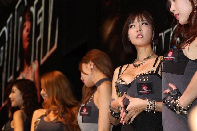 【外人】バッチリ整形顔の韓国人キャンペーンガールのポルノ画像 1024