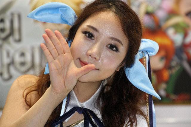 【外人】バッチリ整形顔の韓国人キャンペーンガールのポルノ画像 1129