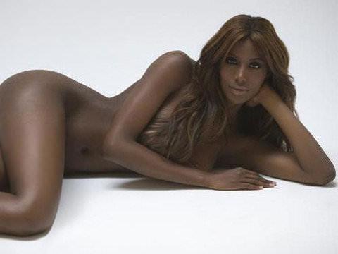 野生を感じる引き締まった美人な黒人女性のヌードポルノ画像 1168