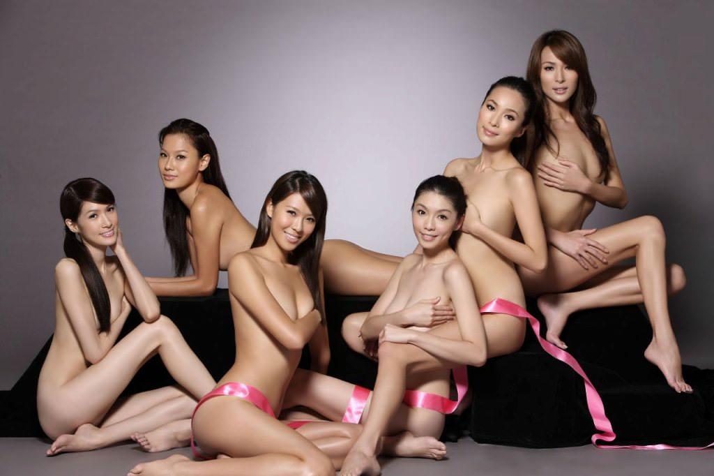 アジアンビューティーな黒髪お姉さんたちのヌードポルノ画像 1336