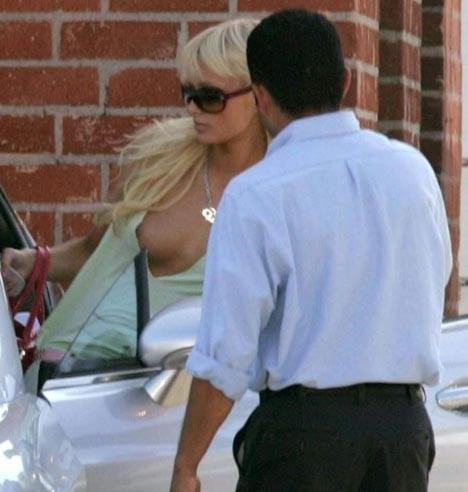 【外人】超セレブなお騒がせお嬢様パリス・ヒルトン(Paris Hilton)のパパラッチ盗撮ポルノ画像 216