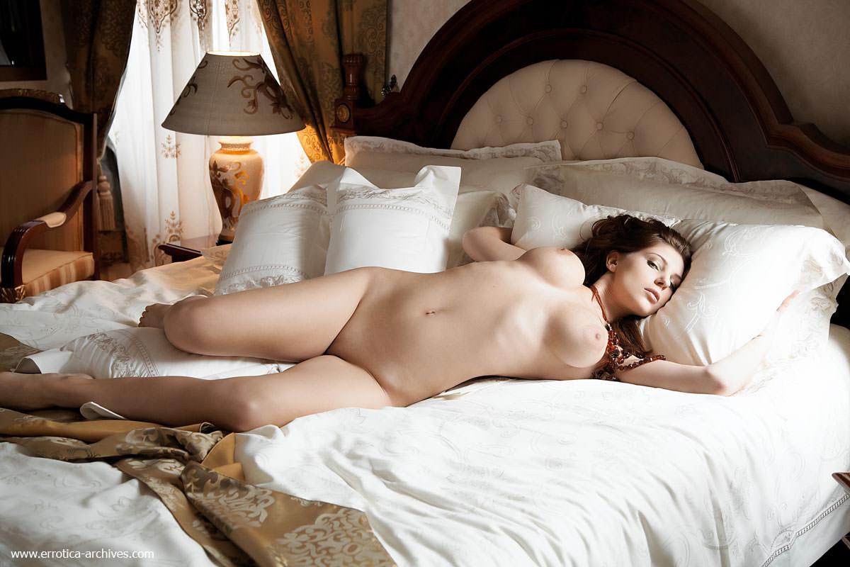 【外人】ベッドの上で誘うエロ過ぎるこんな女に抱かれたいポルノ画像 730