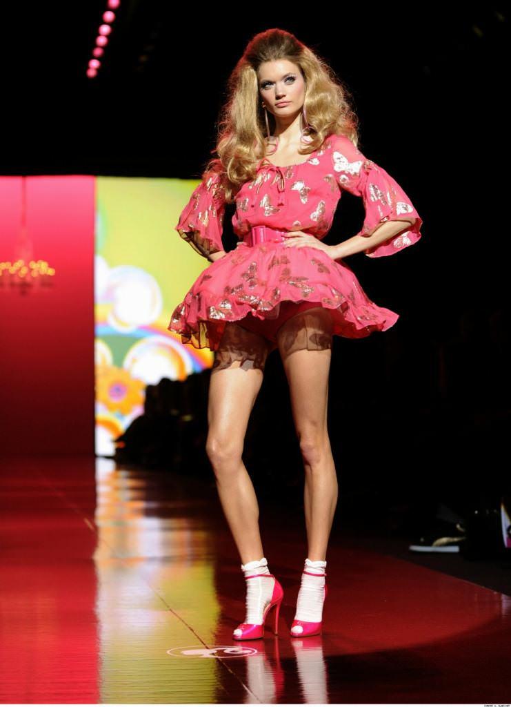 スーパーモデルのファッションショーがエロい下着の見本市と化してるポルノ画像 1024