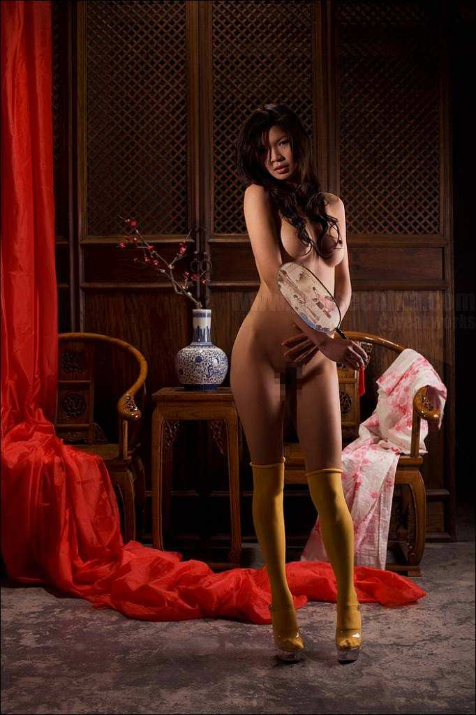 妖艶な美しさが股間をそそる中国美人のヌードポルノ画像 1036