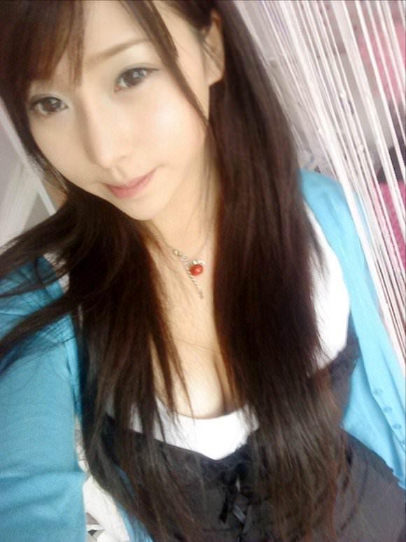 噂の美少女台湾娘がガチで可愛い胸チラポルノ画像 1047